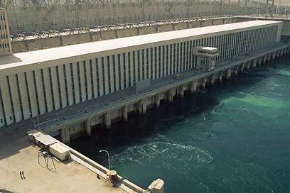 rh450-3824_Aswan-Dam_wa